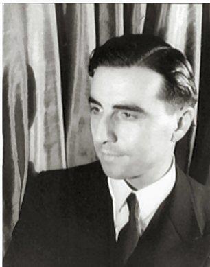 Portrait_of_Julian_Green_(1900-1998),_by_photographer_Carl_van_Vechten