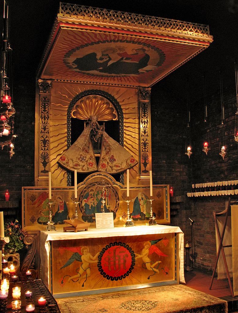 AnglicanWalsinghamComper.jpg