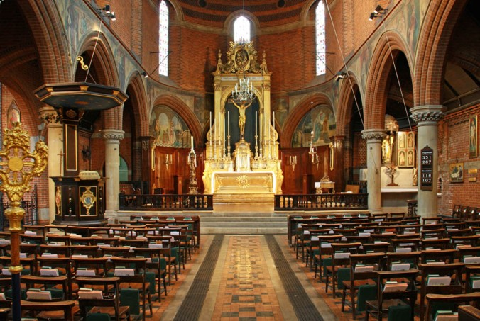 St_Mary,_Bourne_Street,_London_SW1_-_East_end_-_geograph.org.uk_-_1874722