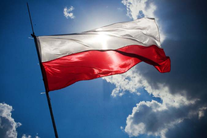 sky-blue-flag-poland.jpg